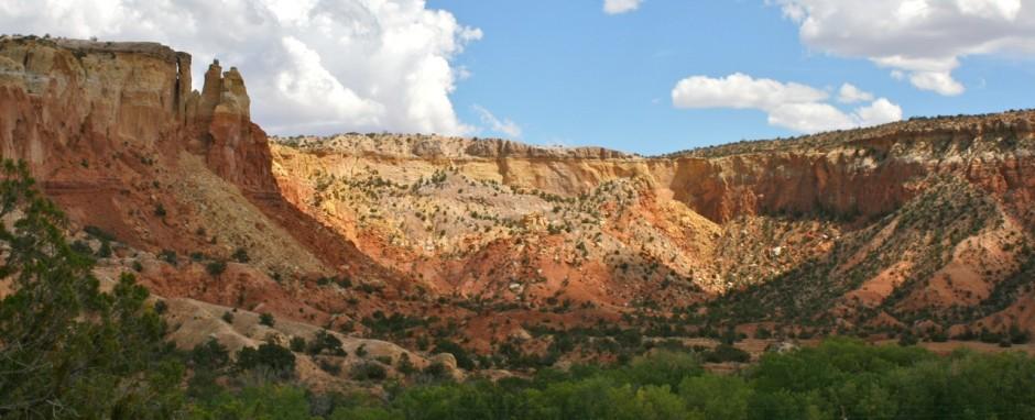 Ghost_Ranch_redrock_cliffs